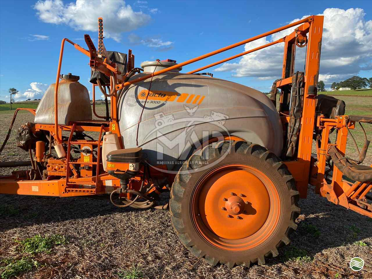 PULVERIZADOR JACTO ADVANCE 3000 AM24 Arrasto Máquinas Agrícolas Pitanga PITANGA PARANÁ PR