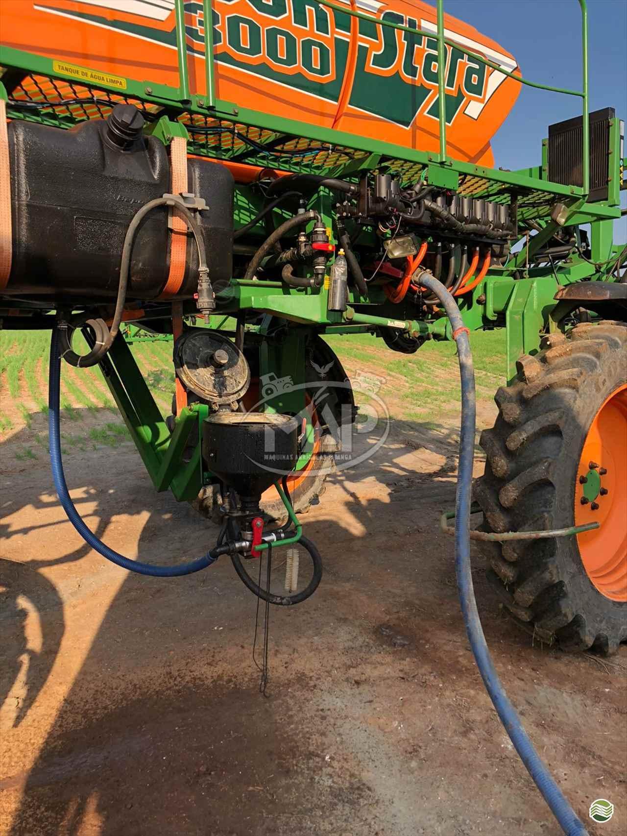 PULVERIZADOR STARA GLADIADOR 3000 Tração 4x4 Máquinas Agrícolas Pitanga PITANGA PARANÁ PR