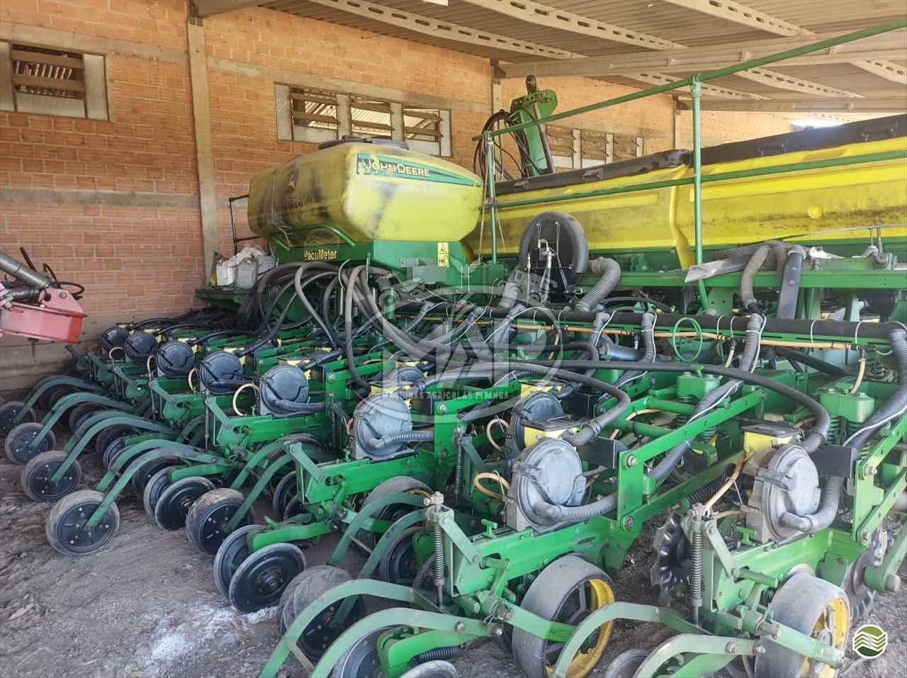 PLANTADEIRA JOHN DEERE PLANTADEIRAS 2117 Máquinas Agrícolas Pitanga PITANGA PARANÁ PR