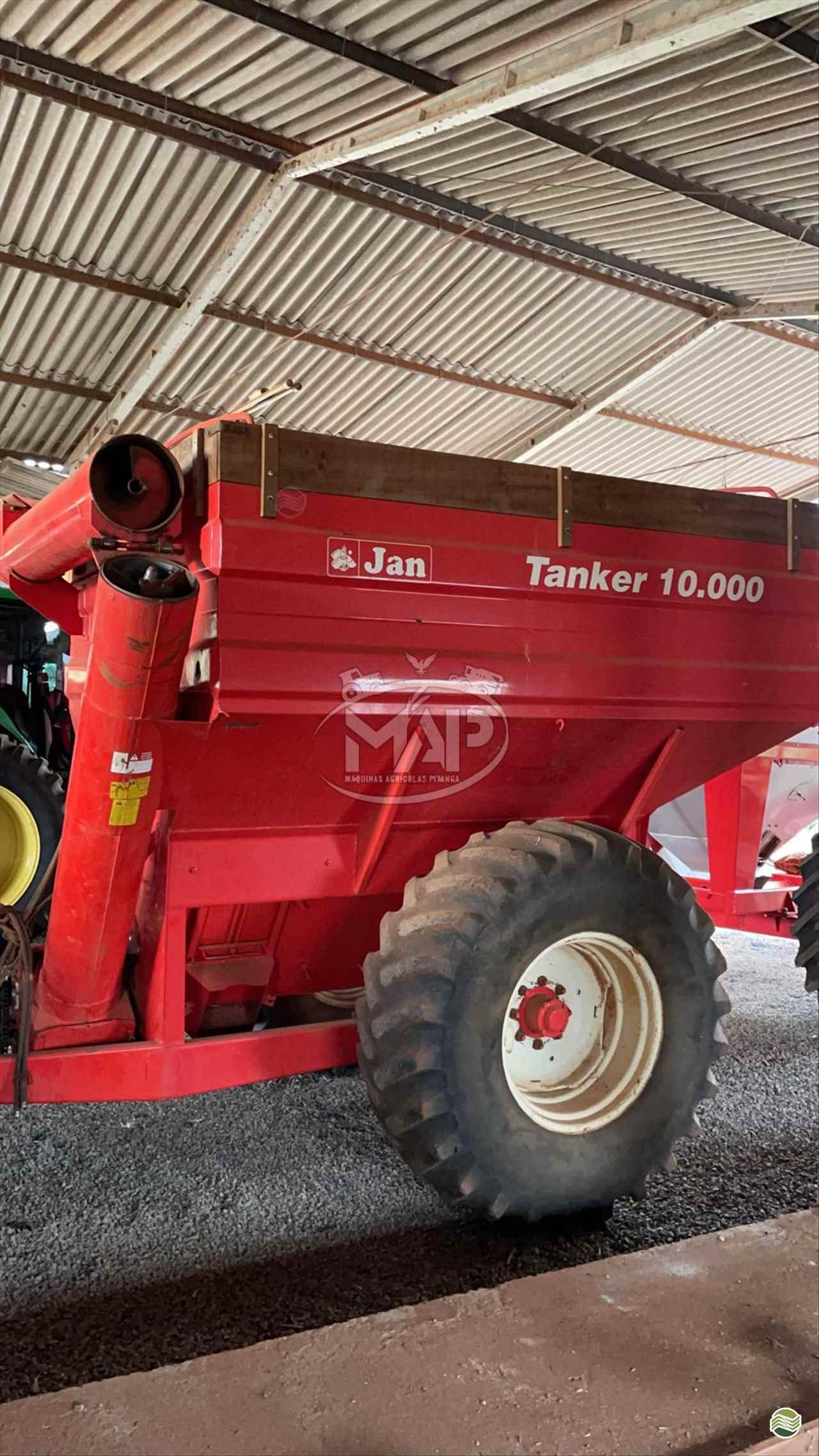 IMPLEMENTOS AGRICOLAS CARRETA BAZUKA GRANELEIRA 10000 Máquinas Agrícolas Pitanga PITANGA PARANÁ PR