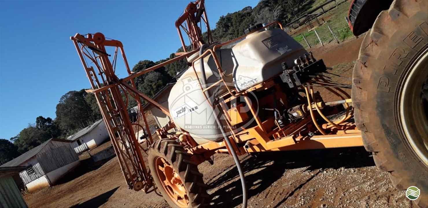 PULVERIZADOR JACTO ADVANCE 3000 AM18 Arrasto Máquinas Agrícolas Pitanga PITANGA PARANÁ PR