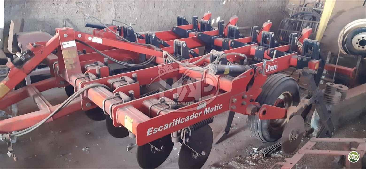 IMPLEMENTOS AGRICOLAS ESCARIFICADOR 9 HASTES DISCO CORTE  Máquinas Agrícolas Pitanga PITANGA PARANÁ PR