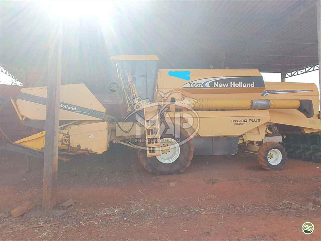 COLHEITADEIRA NEW HOLLAND TC 57 Máquinas Agrícolas Pitanga PITANGA PARANÁ PR