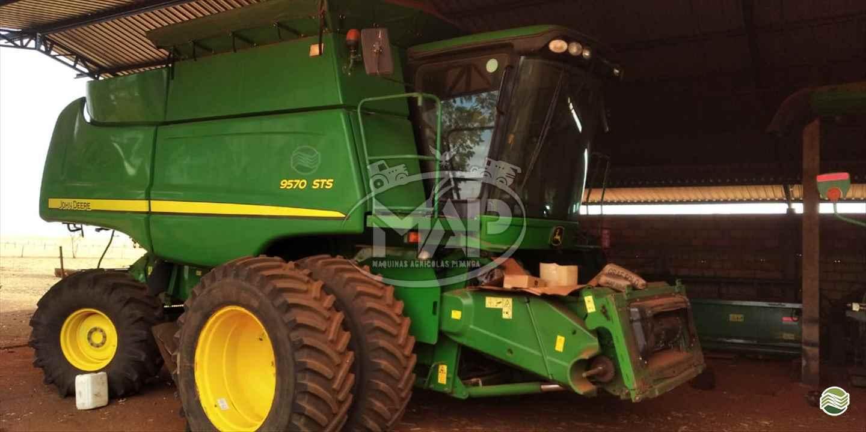 COLHEITADEIRA JOHN DEERE JOHN DEERE 9570 STS Máquinas Agrícolas Pitanga PITANGA PARANÁ PR