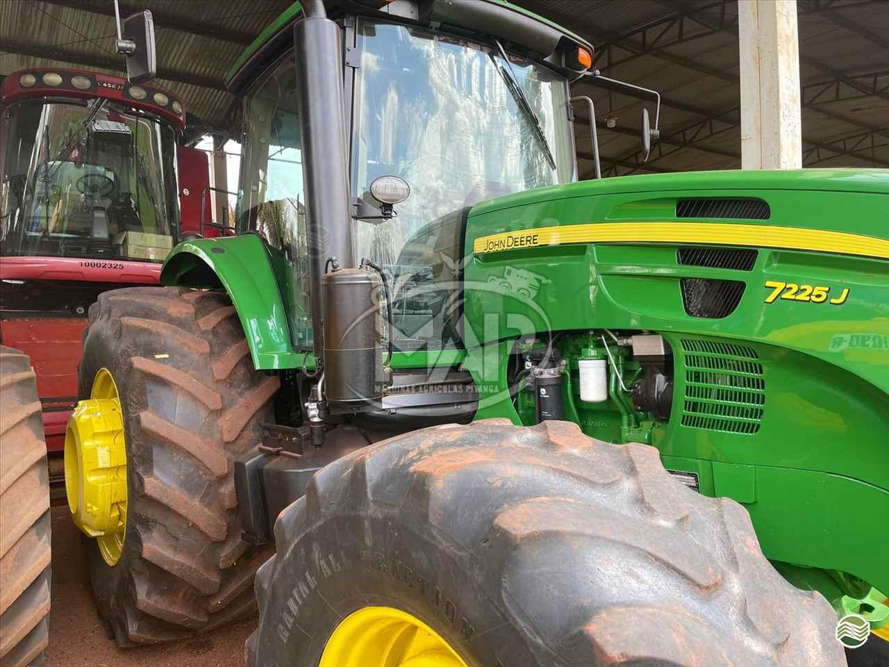 JOHN DEERE 7225 de Máquinas Agrícolas Pitanga - PITANGA/PR