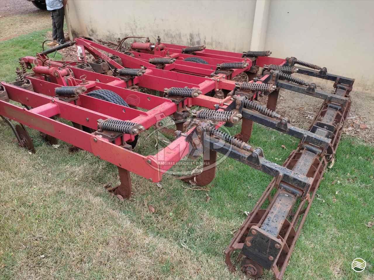 IMPLEMENTOS AGRICOLAS ESCARIFICADOR 11 HASTES DISCO CORTE Máquinas Agrícolas Pitanga PITANGA PARANÁ PR