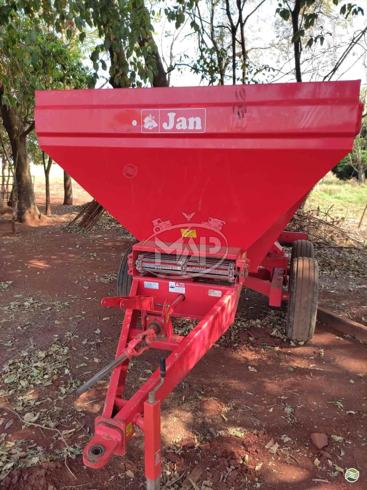 IMPLEMENTOS AGRICOLAS CARRETA BAZUKA GRANELEIRA 12000 Máquinas Agrícolas Pitanga PITANGA PARANÁ PR
