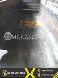 SEMI-REBOQUE BASCULANTE  2003/2004 MF Caminhões