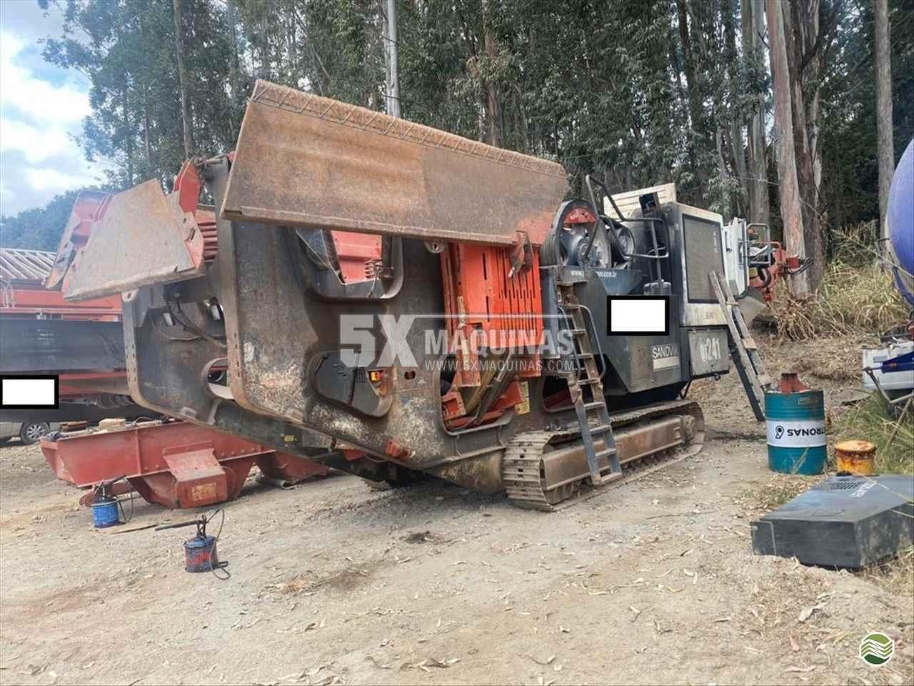 EQUIPAMENTOS CONSTRUÇÃO BRITADOR MÓVEL 5X Máquinas  CAMPO GRANDE MATO GROSSO DO SUL MS