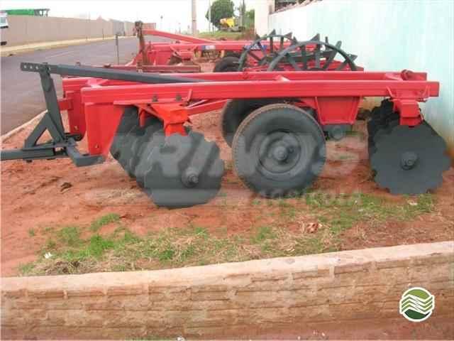 GRADE ARADORA ARADORA 16 DISCOS  2009/2020 Arinos Agrícola