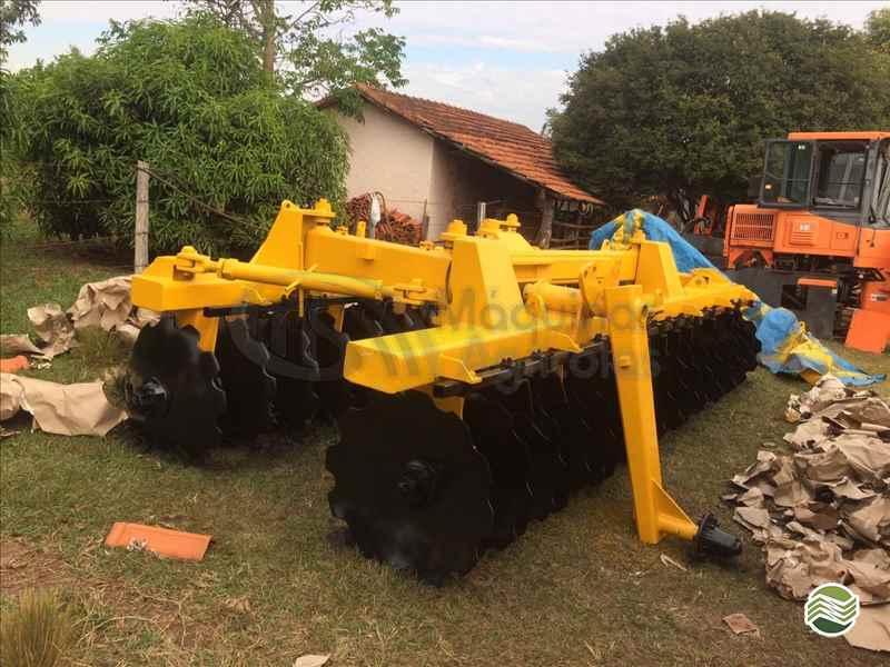 GRADE ARADORA ARADORA 34 DISCOS  20 MS Máquinas Agrícolas