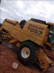 NEW HOLLAND TC 57  2000/2000 MS Máquinas Agrícolas