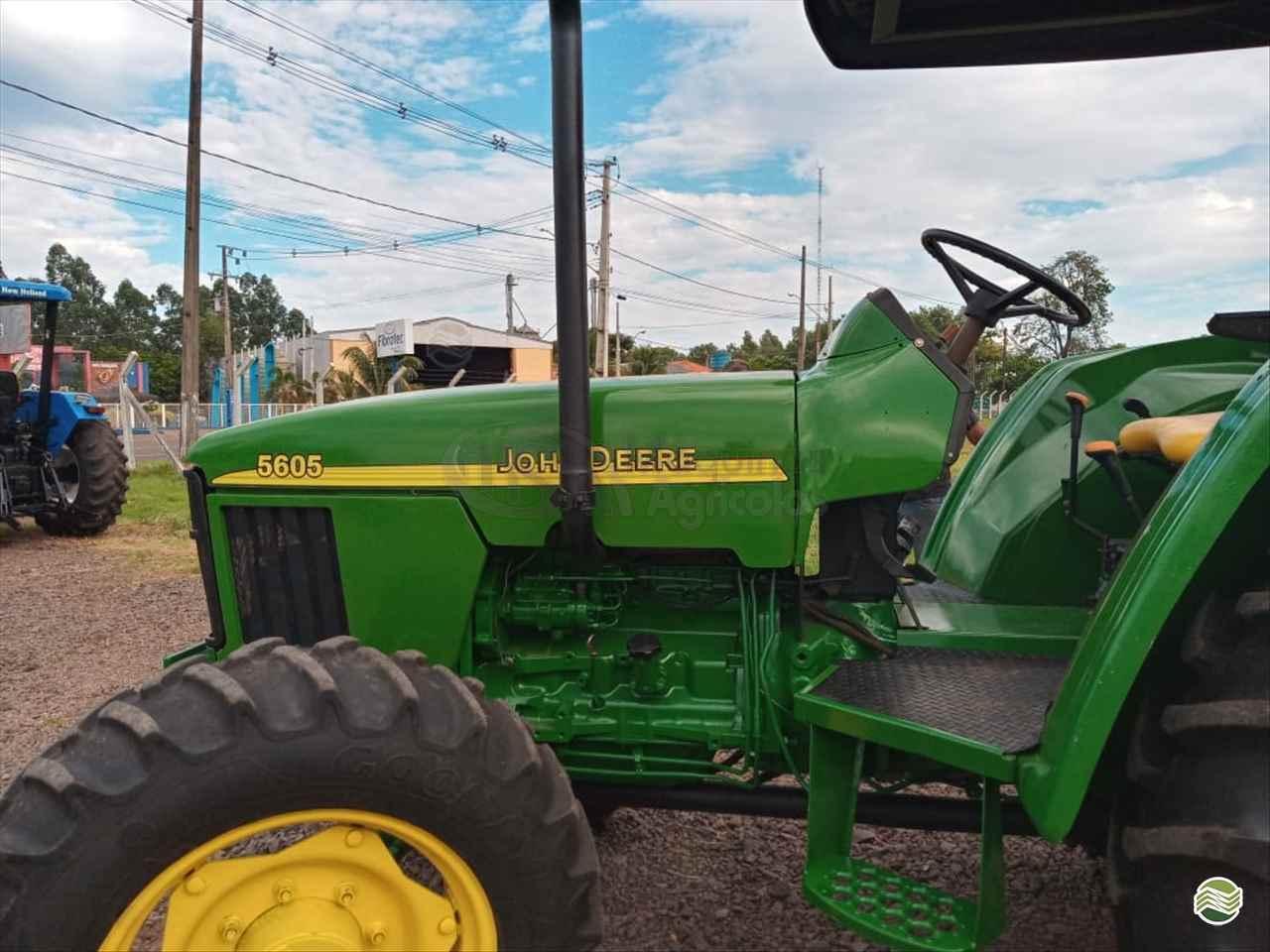 JOHN DEERE 5605 de MS Máquinas Agrícolas - DOURADOS/MS