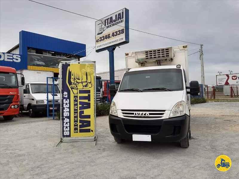 IVECO DAILY 55c16 250000km 2008/2008 Itajai Caminhões