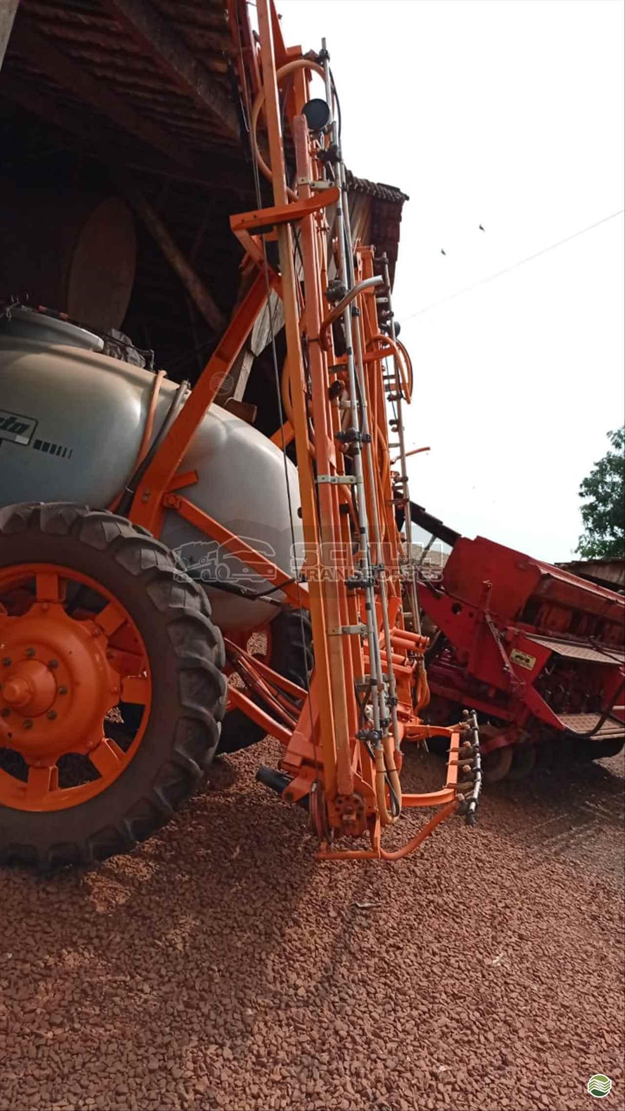 PULVERIZADOR JACTO ADVANCE 2000 AM18 Arrasto Schuh Transportes e Vendas Agrícolas MARECHAL CANDIDO RONDON PARANÁ PR