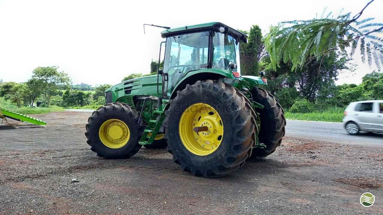 JOHN DEERE JOHN DEERE 7205  2011/2011 Roda Agricola Máquinas e Peças