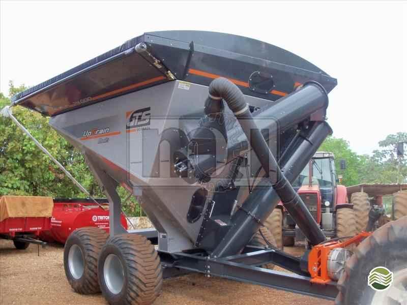 CARRETA BAZUKA GRANELEIRA 24000 BAZUKA  20 Moi Maquinas e Implementos Agricolas