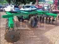GRADE INTERMEDIÁRIA INTERMEDIÁRIA 28 DISCOS  20 Moi Maquinas e Implementos Agricolas