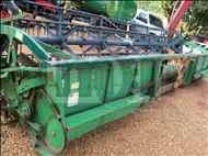 JOHN DEERE JOHN DEERE 323  2004/2004 Moi Maquinas e Implementos Agricolas