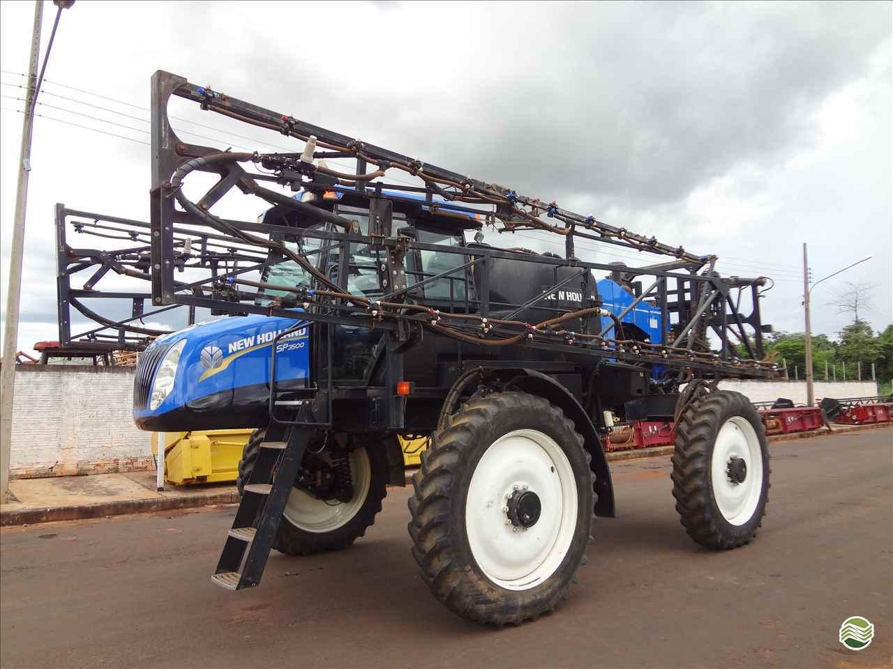 PULVERIZADOR NEW HOLLAND DEFENSOR SP3500 Tração 4x4 Gomagril Máquinas Agrícolas TANGARA DA SERRA MATO GROSSO MT