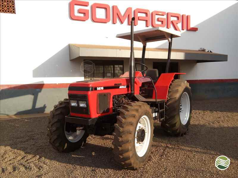 TRATOR AGRALE AGRALE 5075 Tração 4x4 Gomagril Máquinas Agrícolas TANGARA DA SERRA MATO GROSSO MT