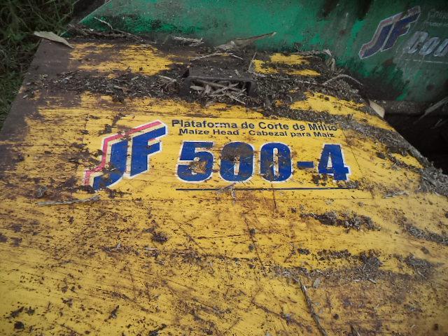 ENSILADEIRA ENSILADEIRA 4 LINHAS  2000/2000 Lavrominas Tratores
