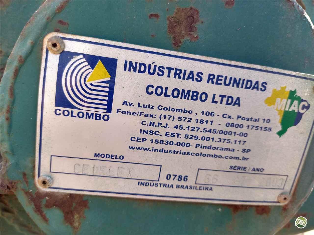 COLHEDORAS BATEDOR DE FEIJAO RECOLHEDOR  2003 Lavrominas Tratores