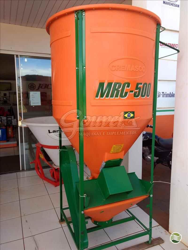 PECUÁRIA MISTURADOR DE RAÇÃO  2020 Gouveia Máquinas E Implementos Agrícolas