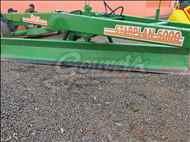 PLAINA NIVELADORA PLAINA DE ARRASTO  1996 Gouveia Máquinas e Implementos Agrícolas - Jacto