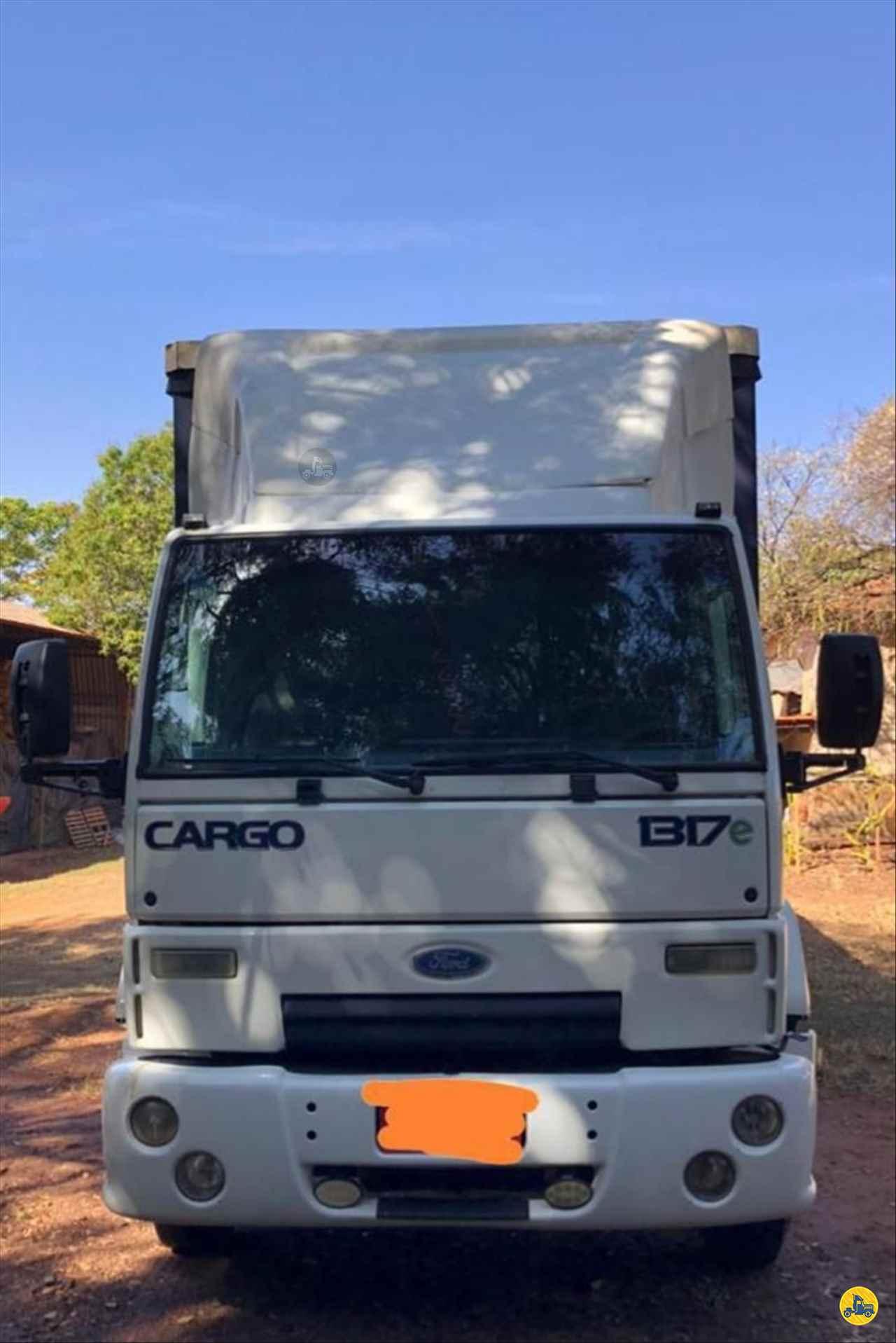 CAMINHAO FORD CARGO 1317 Baú Sider Toco 4x2 GP Trucks PIRACICABA SÃO PAULO SP