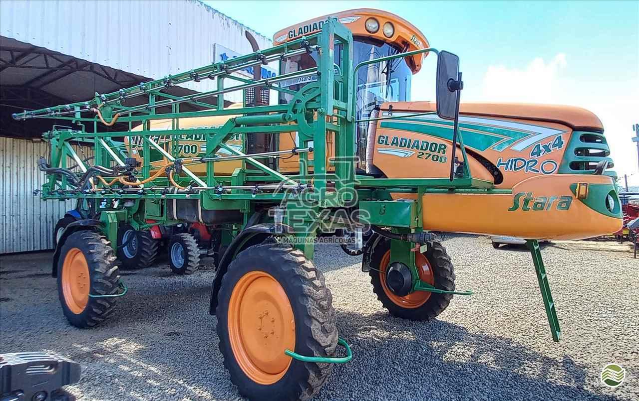 PULVERIZADOR STARA GLADIADOR 2700 Tração 4x4 Agro Texas Máquinas Agrícolas VITORINO PARANÁ PR
