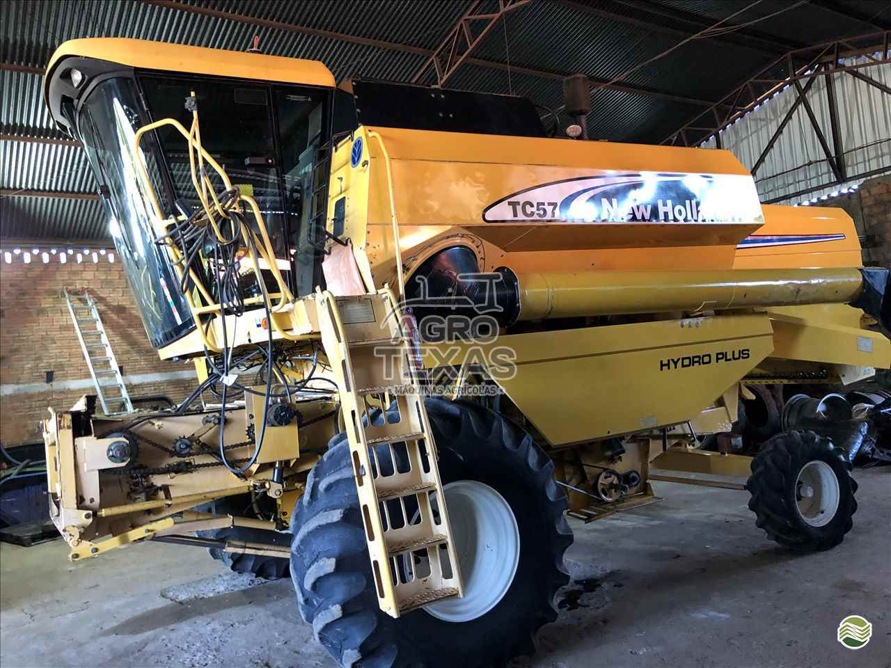 COLHEITADEIRA NEW HOLLAND TC 57 Agro Texas Máquinas Agrícolas VITORINO PARANÁ PR