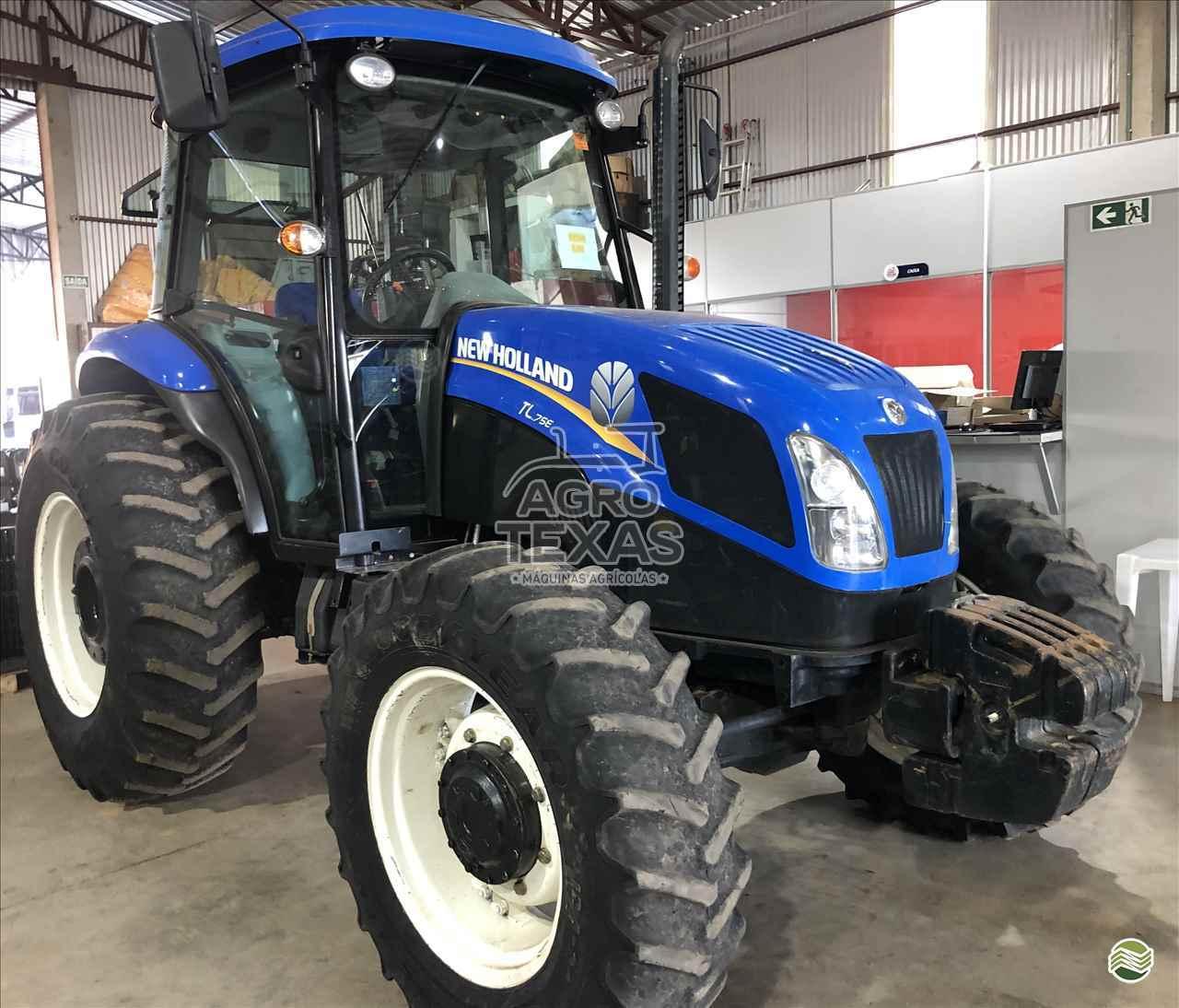 TRATOR NEW HOLLAND NEW TL 75 Tração 4x4 Agro Texas Máquinas Agrícolas VITORINO PARANÁ PR