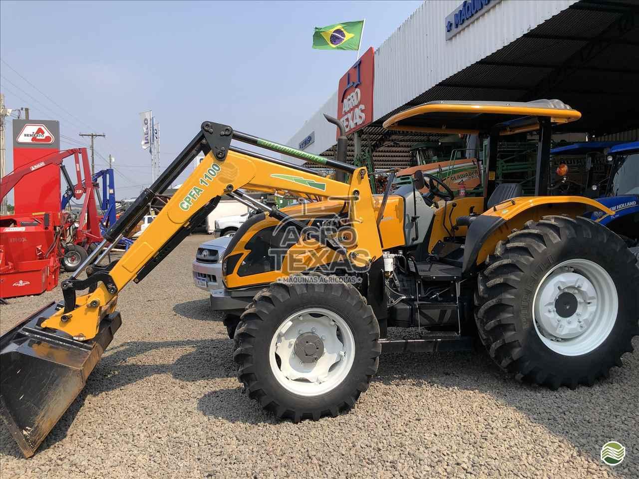 TRATOR VALTRA VALTRA 800 Tração 4x4 Agro Texas Máquinas Agrícolas VITORINO PARANÁ PR