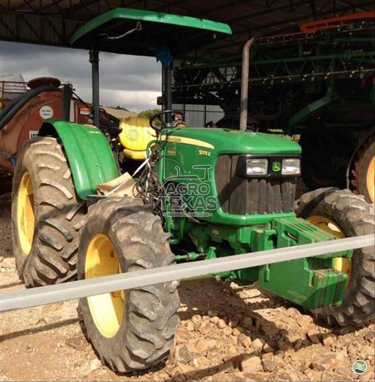 TRATOR JOHN DEERE JOHN DEERE 5075 Tração 4x4 Agro Texas Máquinas Agrícolas VITORINO PARANÁ PR