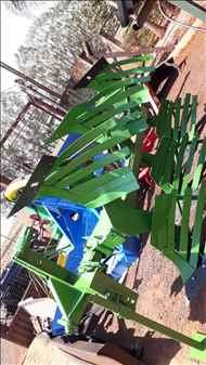 ARADO DE DISCO ARADO DE AIVECA  2008 Gomes e Gouveia Máquinas
