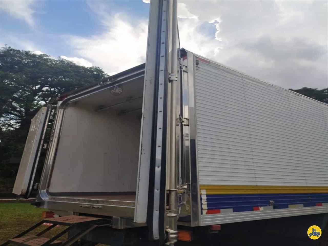TRUCK BAU FRIGORIFICO 888888km 2008 Maracavel Londrina Caminhões