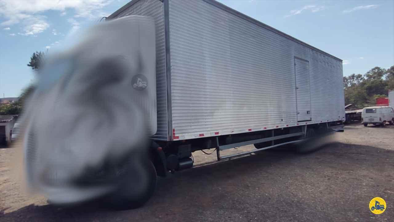 CARROCERIA SOBRE CHASSI  TRUCK BAU FURGAO Maracavel Londrina Caminhões LONDRINA PARANÁ PR