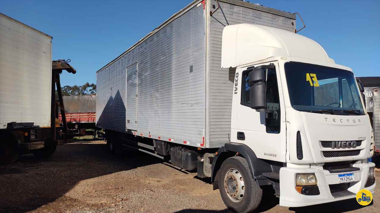 CAMINHAO IVECO TECTOR 240E22 Baú Furgão Truck 6x2 Maracavel Londrina Caminhões LONDRINA PARANÁ PR