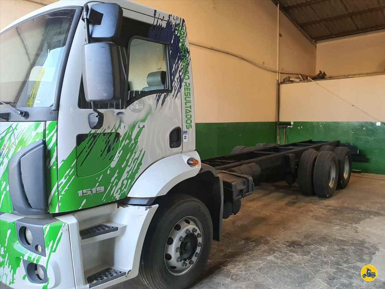 CAMINHAO FORD CARGO 1519 Chassis Truck 6x2 Maracavel Londrina Caminhões LONDRINA PARANÁ PR