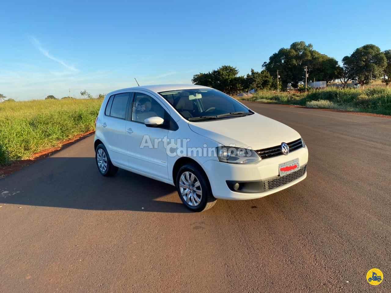 CARRO VW - Volkswagen Fox 1.0 MI Artur Caminhões DIVINOPOLIS MINAS GERAIS MG