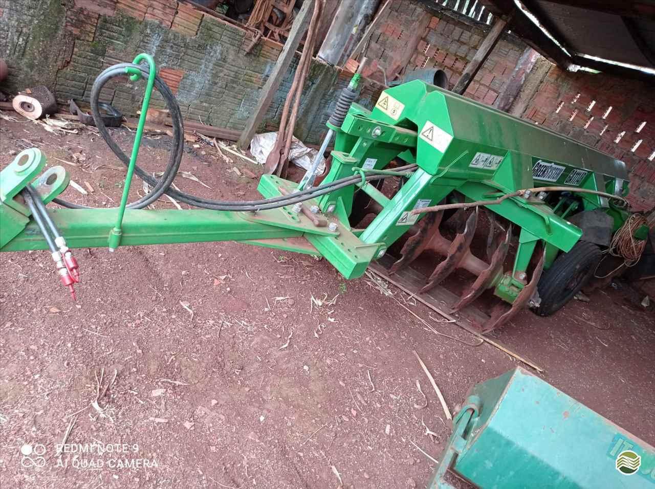 IMPLEMENTOS AGRICOLAS GRADE ARADORA ARADORA 14 DISCOS Precilo Máquinas PONTA PORA MATO GROSSO DO SUL MS