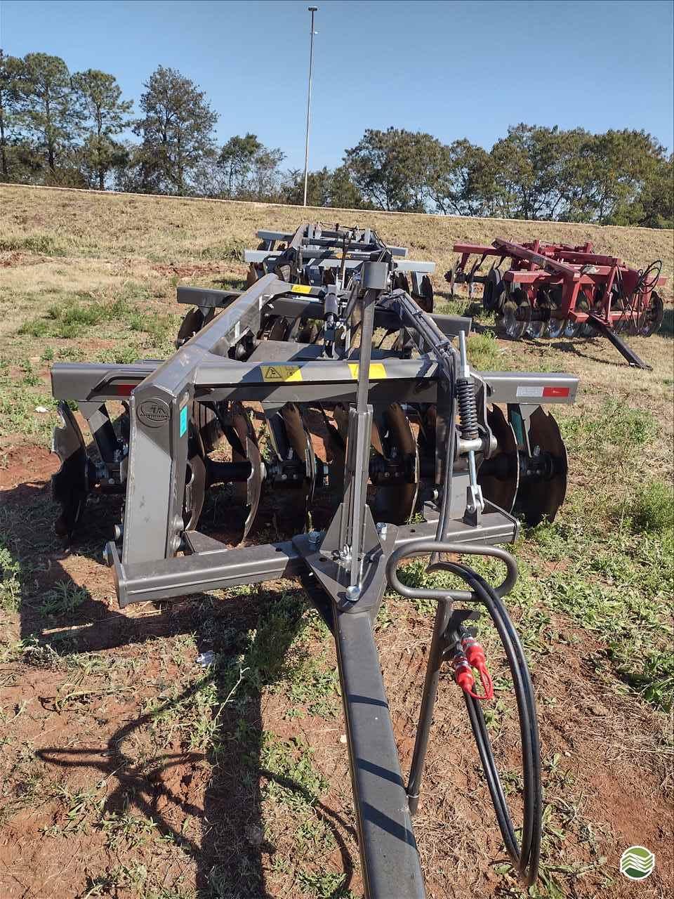 IMPLEMENTOS AGRICOLAS GRADE INTERMEDIÁRIA INTERMEDIÁRIA 20 DISCOS Precilo Máquinas PONTA PORA MATO GROSSO DO SUL MS