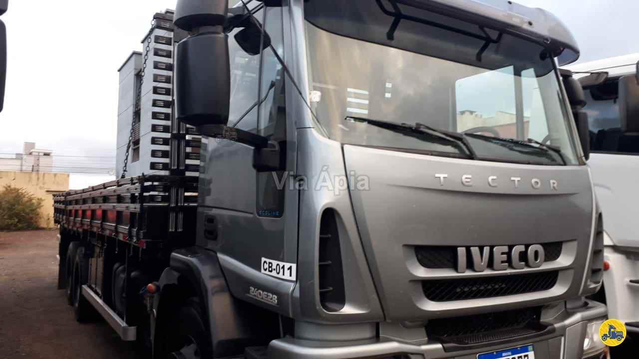 CAMINHAO IVECO TECTOR 240E28 Carga Seca Truck 6x2 Via Ápia Caminhões SAO PAULO SÃO PAULO SP