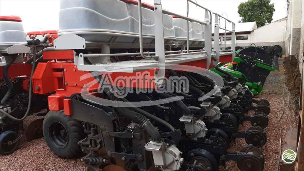 JUMIL JM 8080 PD TERRA  2014/2014 Agrifram Máquinas e Soluções Agrícolas