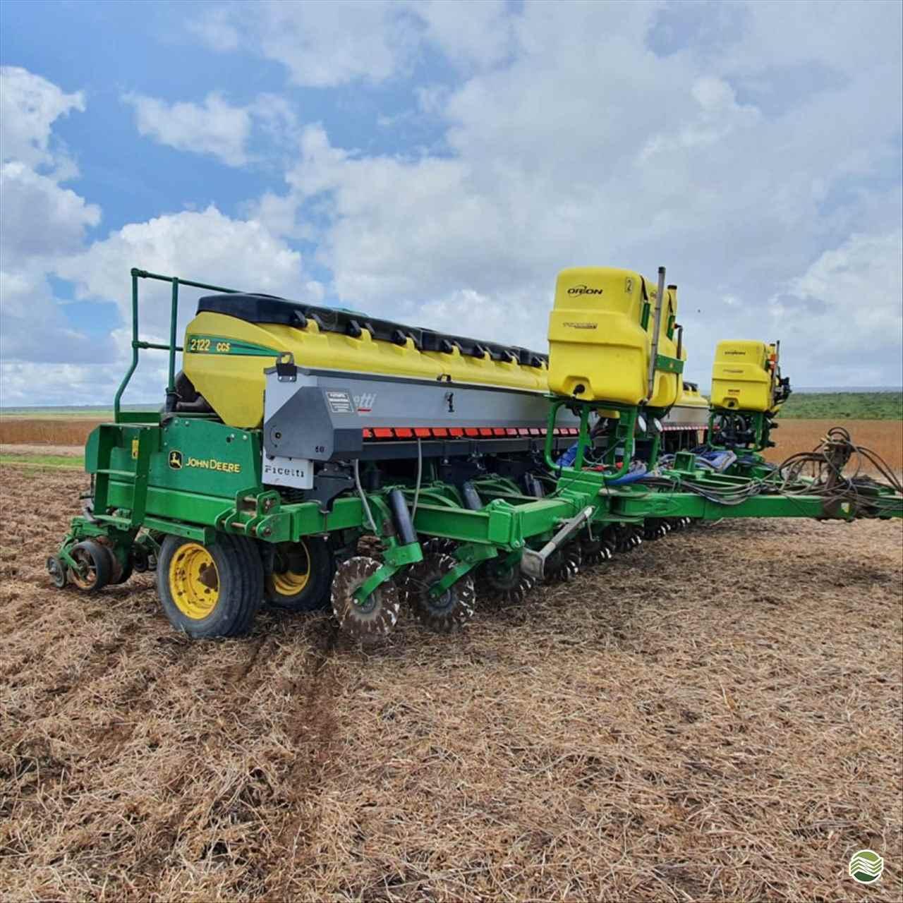 PLANTADEIRA JOHN DEERE PLANTADEIRAS 2122 Agrifram Máquinas e Soluções Agrícolas LUIS EDUARDO MAGALHAES BAHIA BA