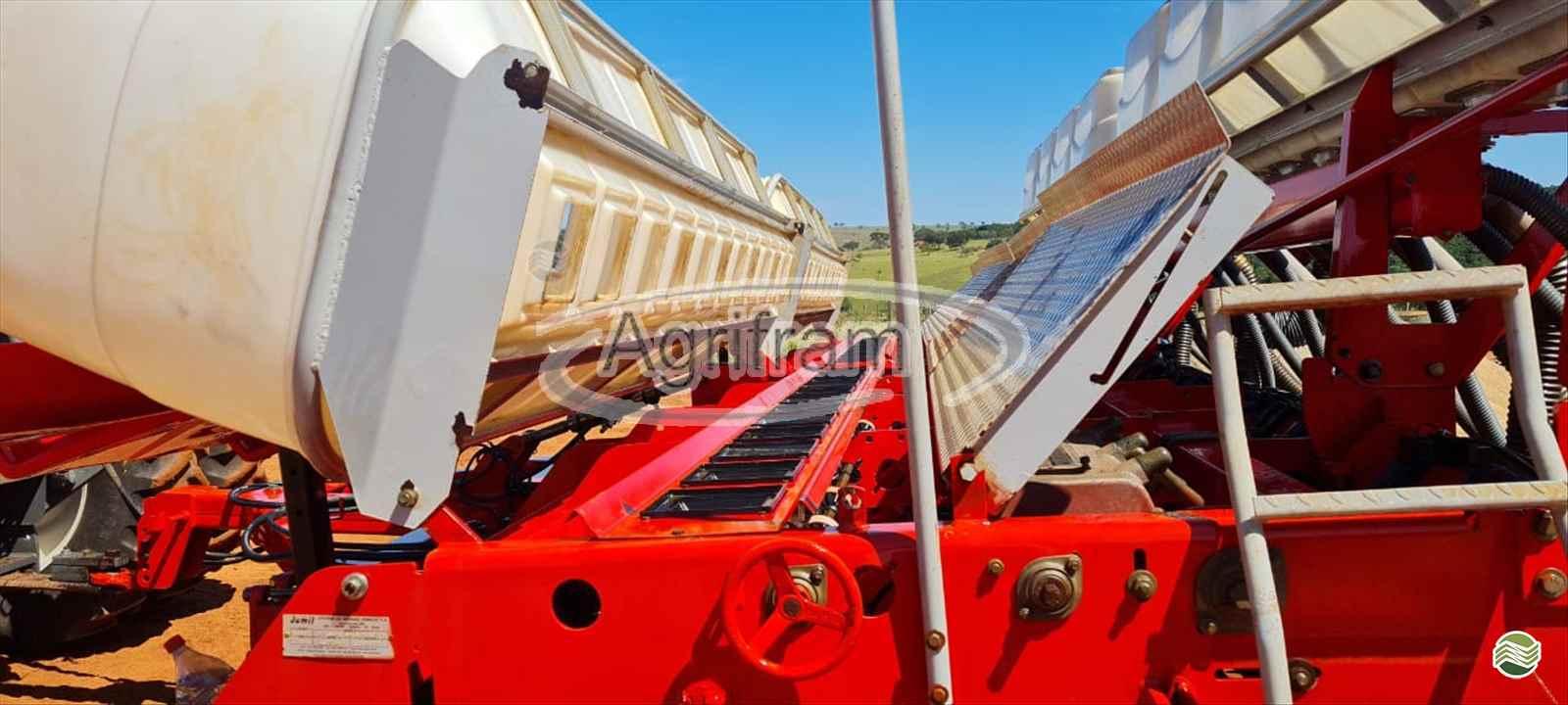 PLANTADEIRA JUMIL JM 7090 PD GUERRA Agrifram Máquinas e Soluções Agrícolas LUIS EDUARDO MAGALHAES BAHIA BA