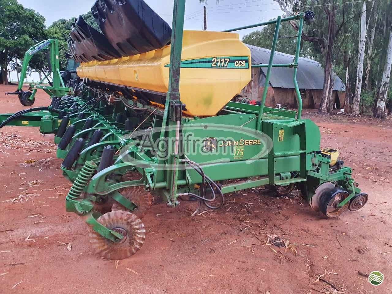 PLANTADEIRA JOHN DEERE PLANTADEIRAS 2117 Agrifram Máquinas e Soluções Agrícolas LUIS EDUARDO MAGALHAES BAHIA BA
