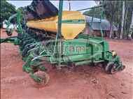 JOHN DEERE PLANTADEIRAS 2117  2012/2012 Agrifram Máquinas e Soluções Agrícolas