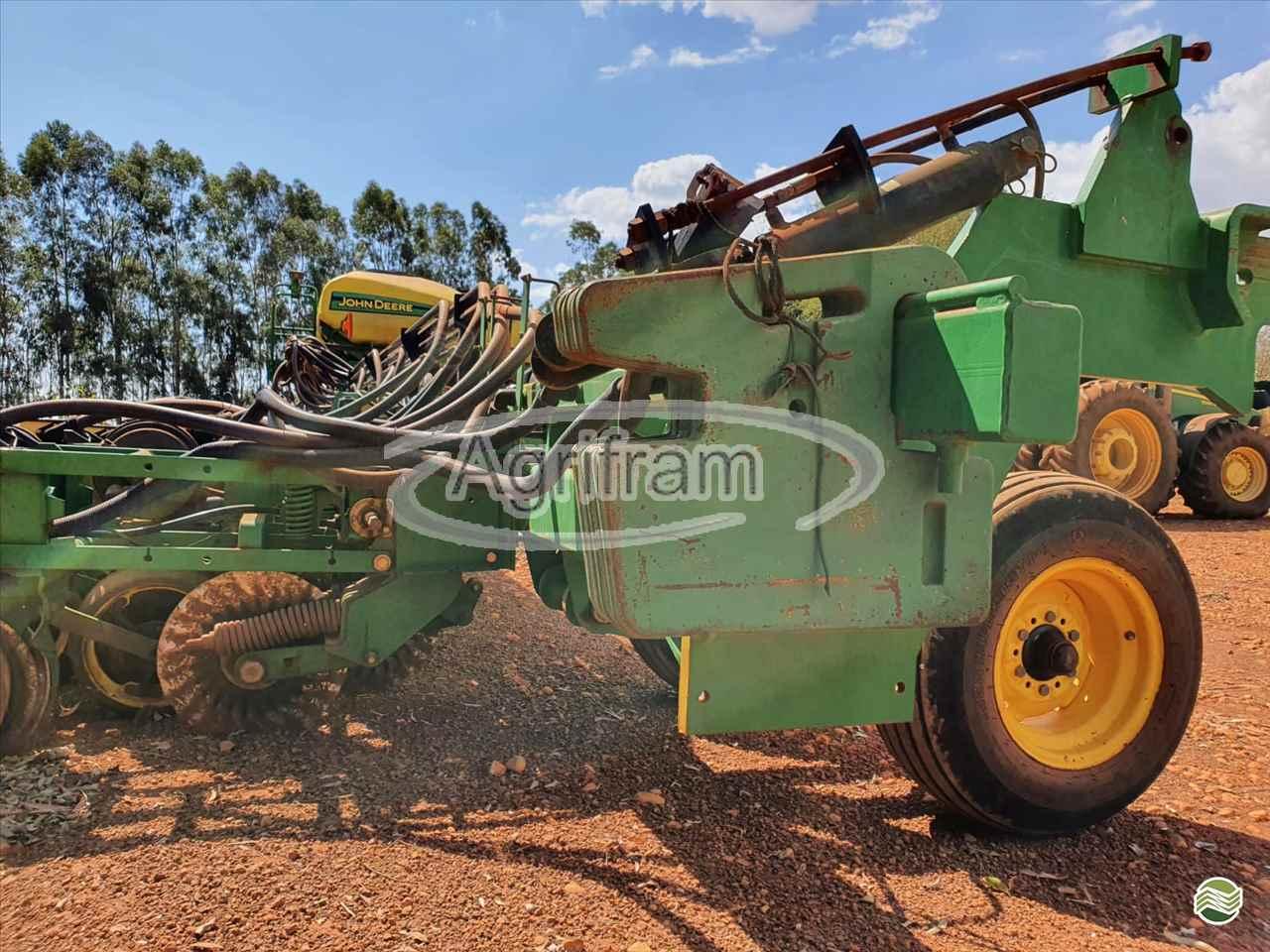 PLANTADEIRA JOHN DEERE PLANTADEIRAS DB74 Agrifram Máquinas e Soluções Agrícolas LUIS EDUARDO MAGALHAES BAHIA BA